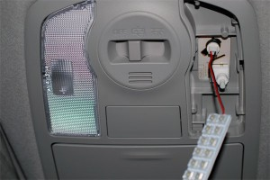 20140826prius_alpha-LED-interior_front-1