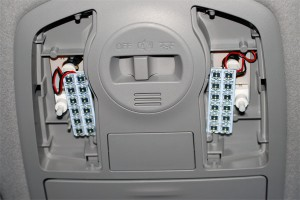 20140826prius_alpha-LED-interior_front-2