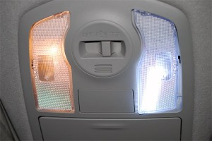 20140826prius_alpha-LED-interior_front-3